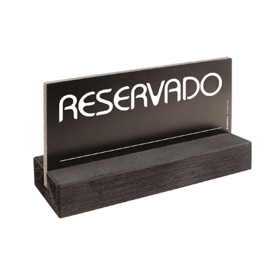signs RESERVADO 8 x 15 cm for the table